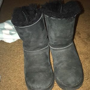 Black ugg bow boots